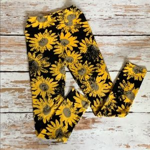 Kids LulaRoe Sunflower 🌻 leggings size L/XL